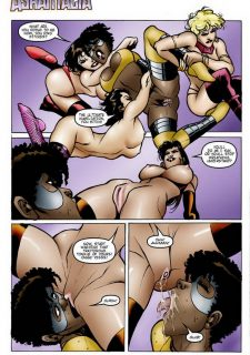 9 Super Heroines – The Magazine 4 image 05